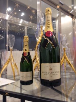 乾杯のシャンパン1